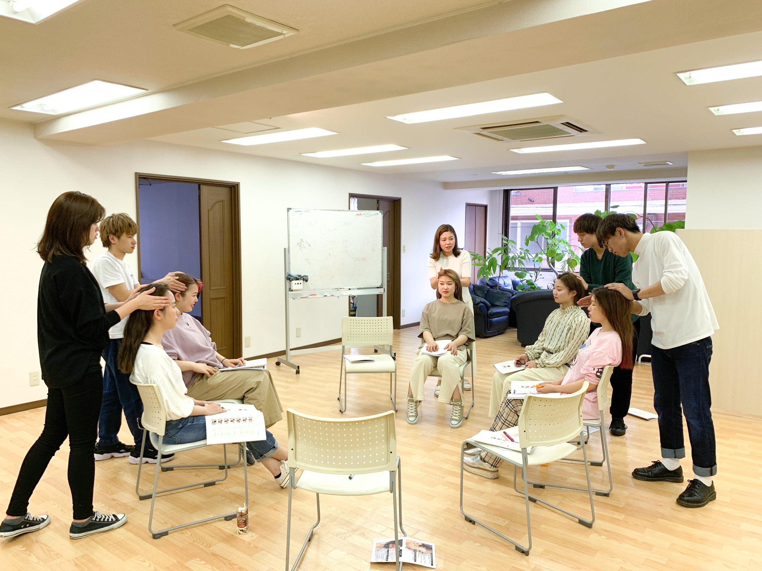 Snipの美容師の離職率が低い理由の一つ、営業中にレッスンのできるアカデミー